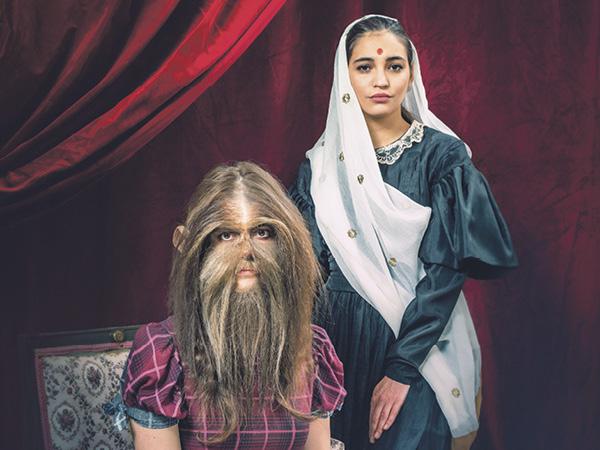 Jak se stát dívkou z titulní strany? Kdo je Kasturba Gándhíová? A co si Jan Hus myslel o ženách?